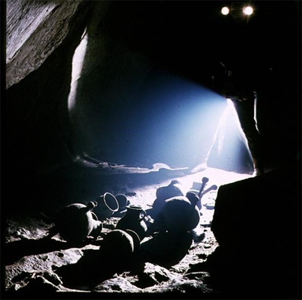 Cristian-Lascu-Prehistoric-Burial-Site-Apuseni-Range-Fotografi-Romani